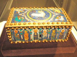 4 ok Champleve Enamel_Casket, perhaps_1100-1150 AD, perhaps North_German, gilded copper and enamel Cleveland Museum of_Art DSC08540